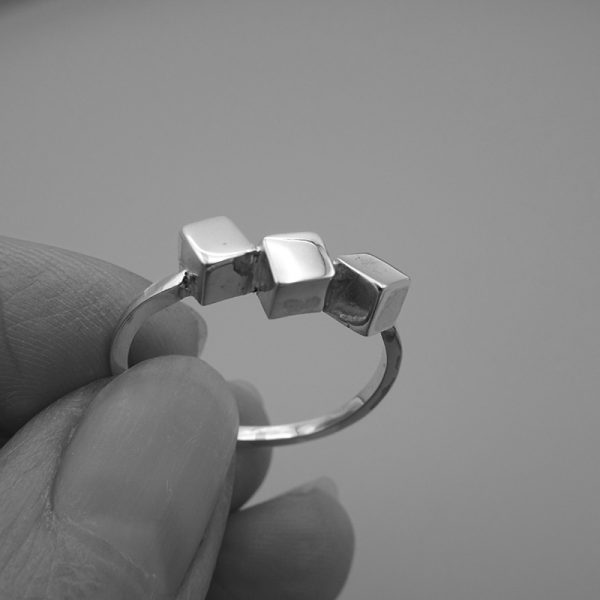 ring zilver cubes c